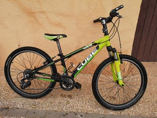 Bicicleta MTB Cube race 240