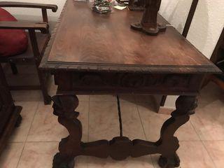 Mesa de despacho antigua con sillon a juego