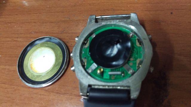 Reloj analógico digital