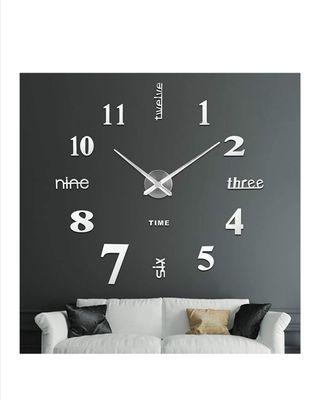 Reloj pared moderno.