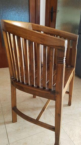 Silla, sillón de madera maciza