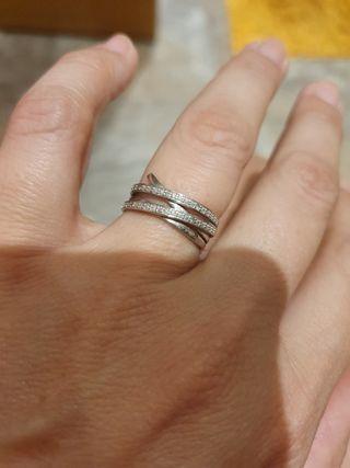 anillo oro blanco y puntas de diamante
