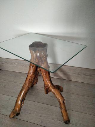 Mesa de tronco de olivo