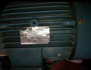 Motor trifásico y monofasico