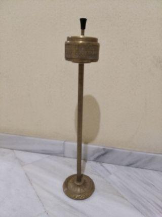 cenicero de pie bronce vintage años 40/50