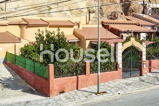 Casa rural en venta de 375m²con parcela en Calle M