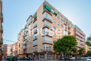 Piso en venta de 105 m² en Calle Pintor López Mezq