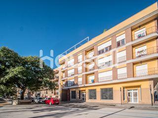 Piso en venta de 140m²en Calle Canovas del Castill