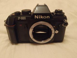 Cámara Nikon Reflex F301
