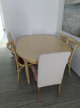 Preciosa mesa y 8 sillas