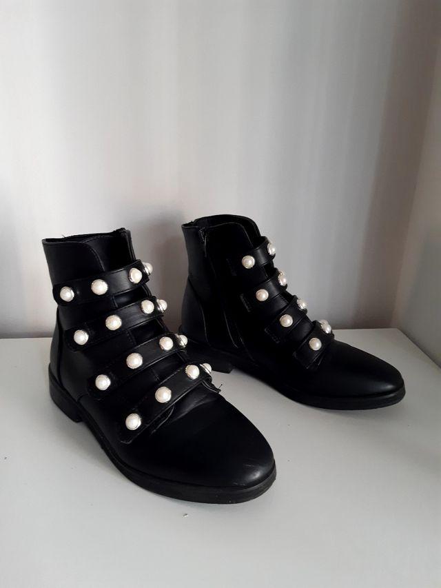 Botas con perlas