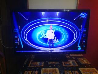TV Samsung de 46 pulgadas con mando