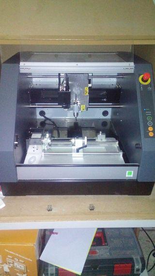 Fresadora Roland MDX 40A