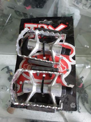 pedales de acero