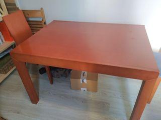 Mesa de comedor extensible 120/240 x 90 y 4 sillas