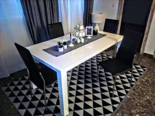 Mesa diseño 6 comensales y 4 sillas