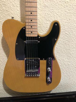 Guitarra eléctrica Squier + amplificador