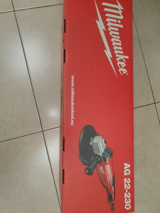 Amoladora Milwaukee AG22-230