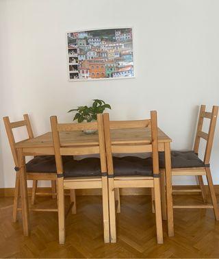 Mesa Ikea madera y 4 sillas