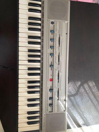 VENDO PIANO EN BUEN ESTADO