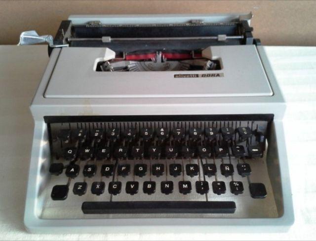 Màquina de escribir
