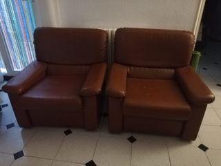 sofas de cuero antiguos pero en muy buen estado