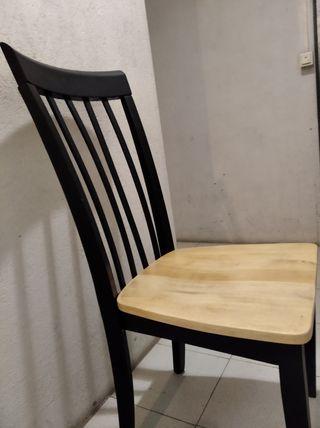 4 sillas de madera maciza