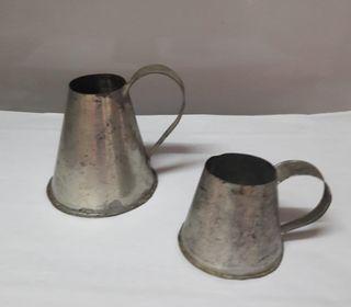 Antigua jarra de medida hojalata cocina retro