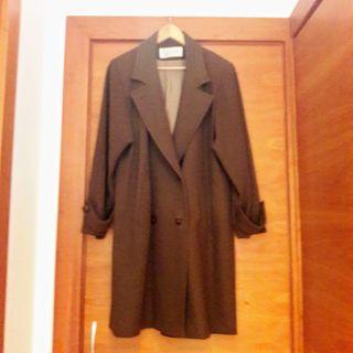 Abrigo de paño color marrón