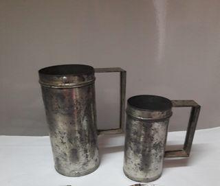 Antigua jarra de medida hojalata cocina vintage