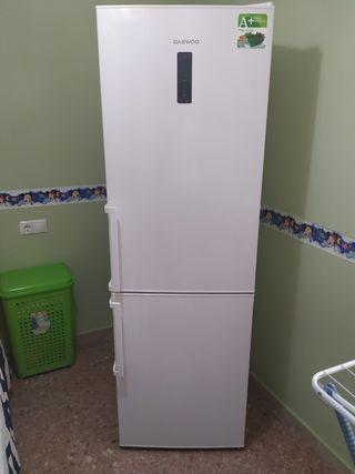 frigorífico Daewoo blanco NO Frost