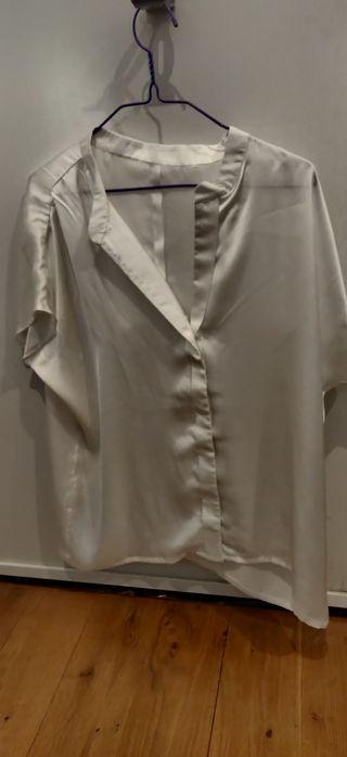 blusa blanca de raso