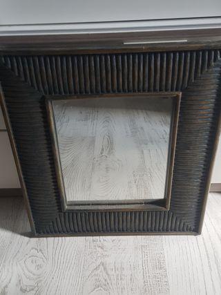 Antiguo espejo con narco de madera maciza