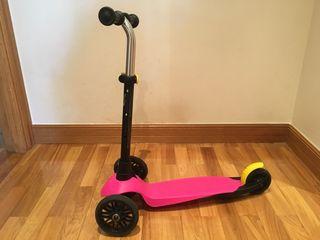 Patinete scooter Oxelo B1 niño con base rosa