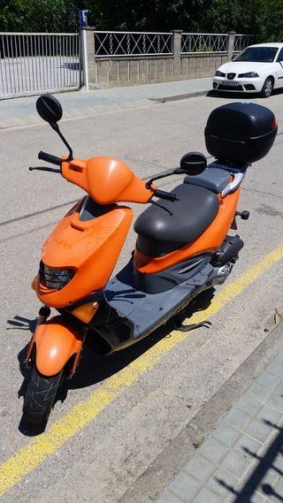 vendo moto para piezas o reparar