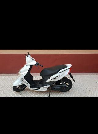 Moto Yamaha Jog R