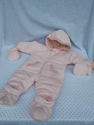 Mono acolchado bebé. talla 6 meses