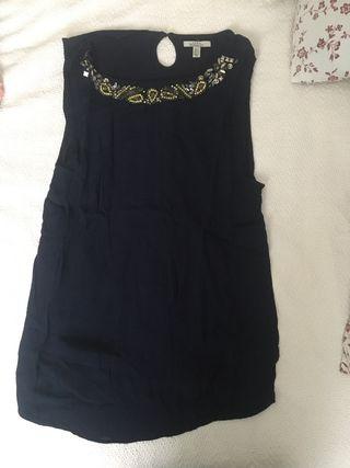 Blusa Zara con pedrería cuello