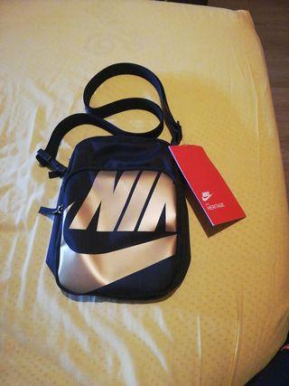 Bandolera Heritage Nike