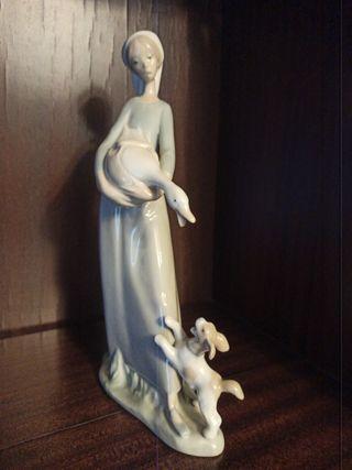 Antigua figura porcelana LLADRÓ