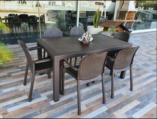 OFERTA Conjunto de mesa y sillas exterior