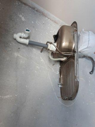 fregadero de 45 por 80cm con grifo