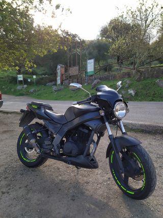 Daelim Roadwin 125cc