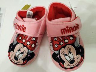 NUEVAS zapatillas de casa de Minnie talla 28