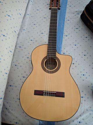Guitarra Flamenca A Estrenar