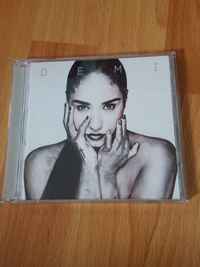 Disco DEMI de Demi Lovato
