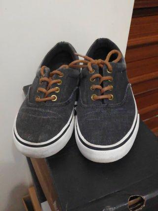 zapatillas practicamente nuevas