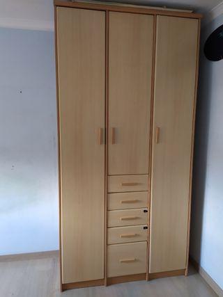 Armario dormitorio 240