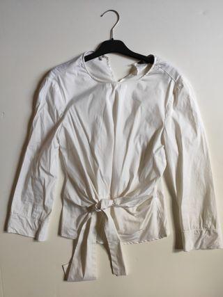 Blusa blanca lazo