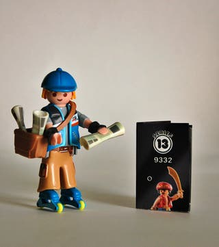 Playmobil Serie 13 Repartidor de Periodicos